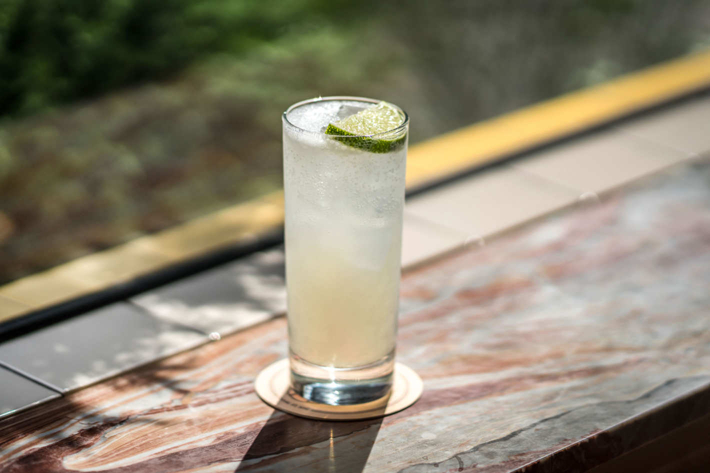 Хайбол стакан с лимонадом