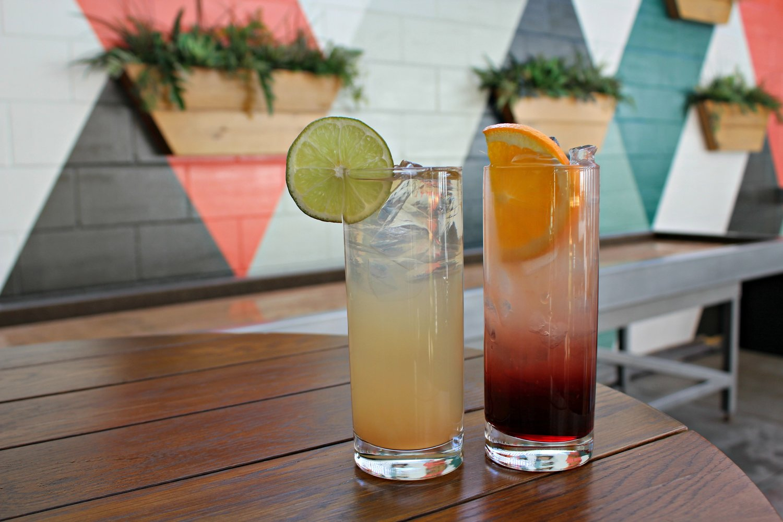 Фото коктейлей на столе