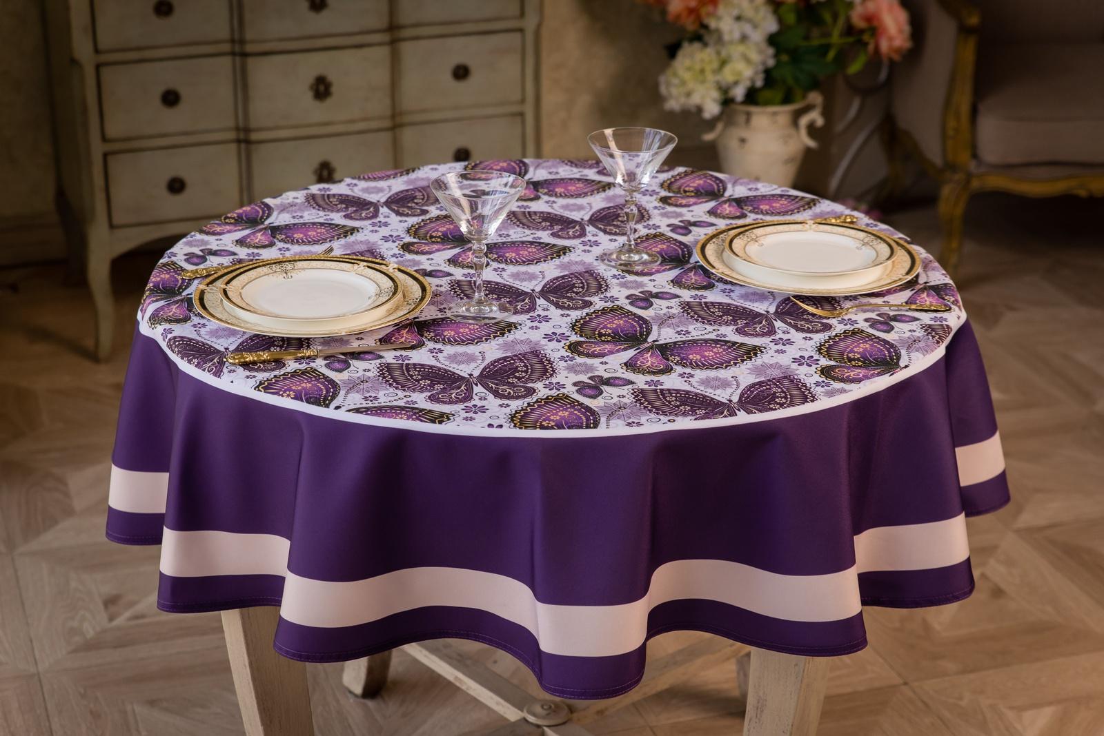 Фото круглой скатерти на столе
