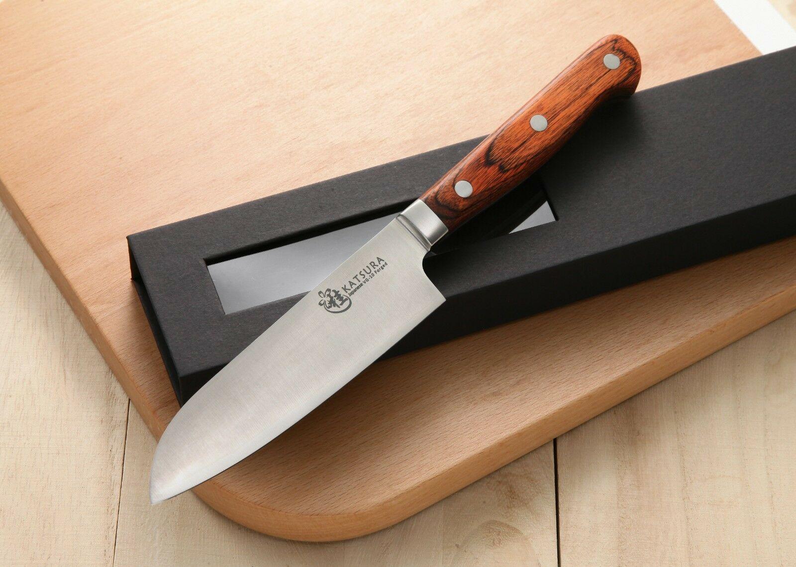 Нож из углеродистой стали