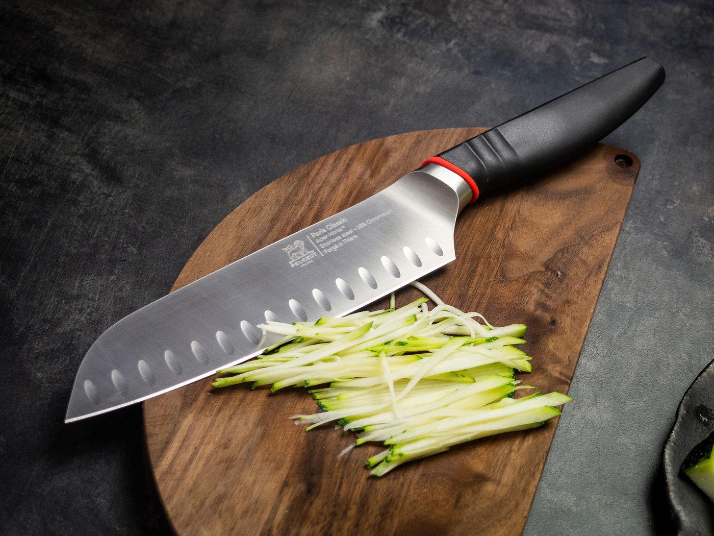 Фото шеф ножа Сантоку