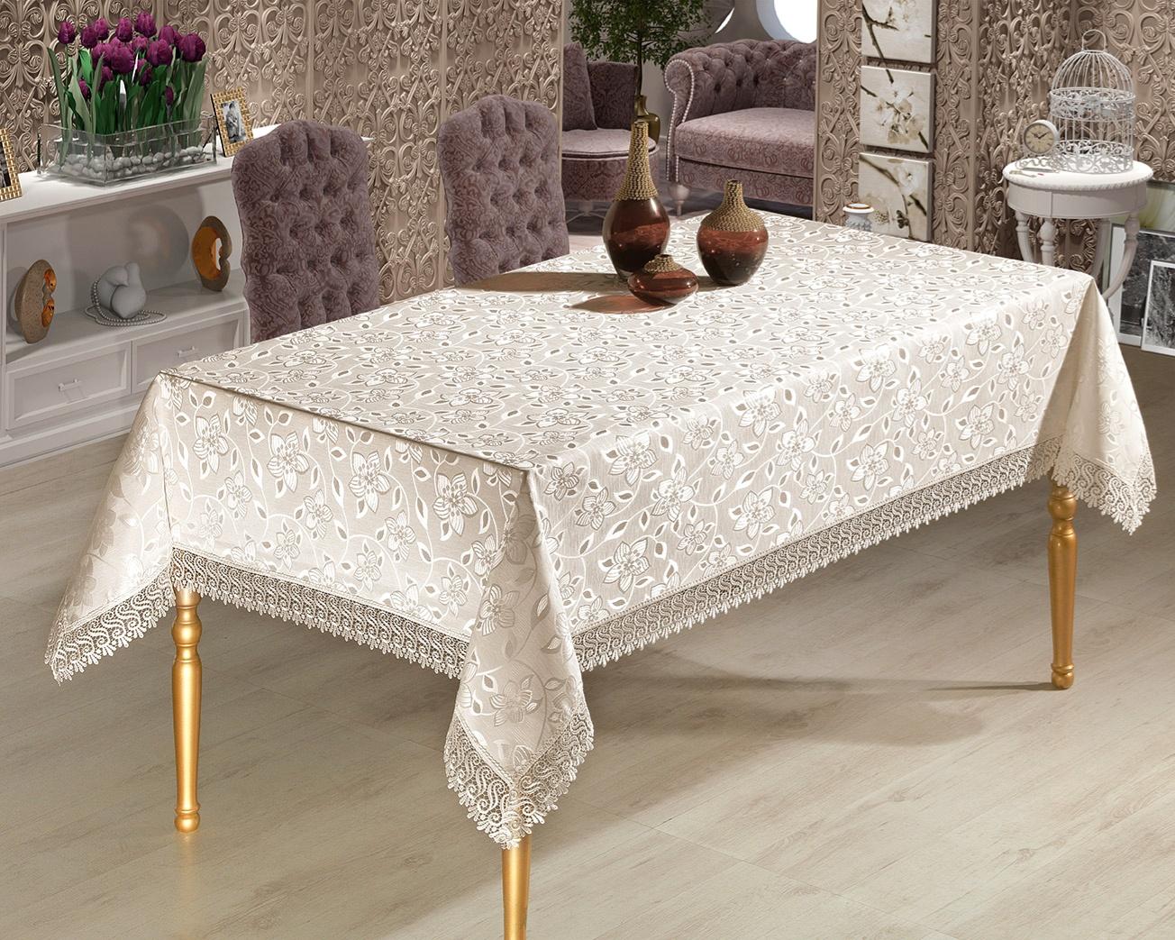 Тефлоновая скатерть на столе