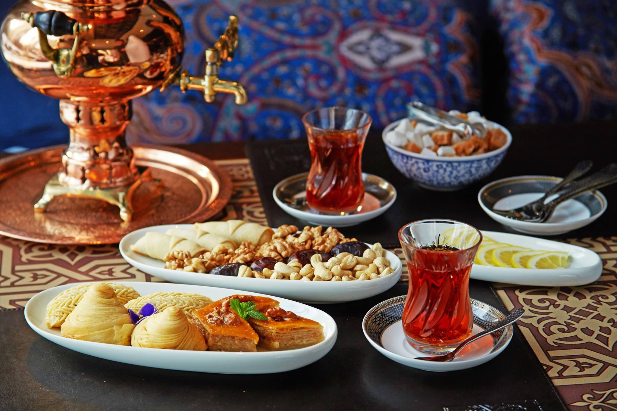 Турецкий чай и сладости